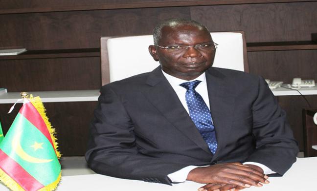 Mauritanie : Le ministre des affaires economiques interrompu au parlement pour avoir parle francais